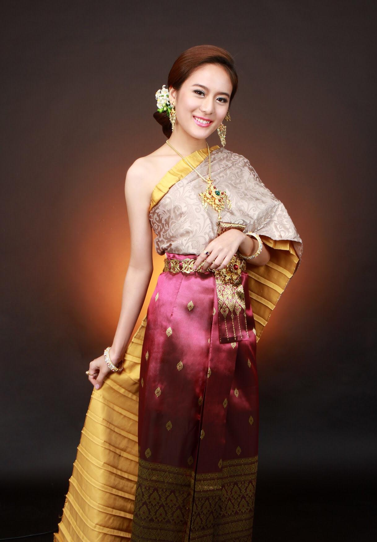Thai Style Studio 1984 Who came to join Thai Style Studio 1984 ? 17