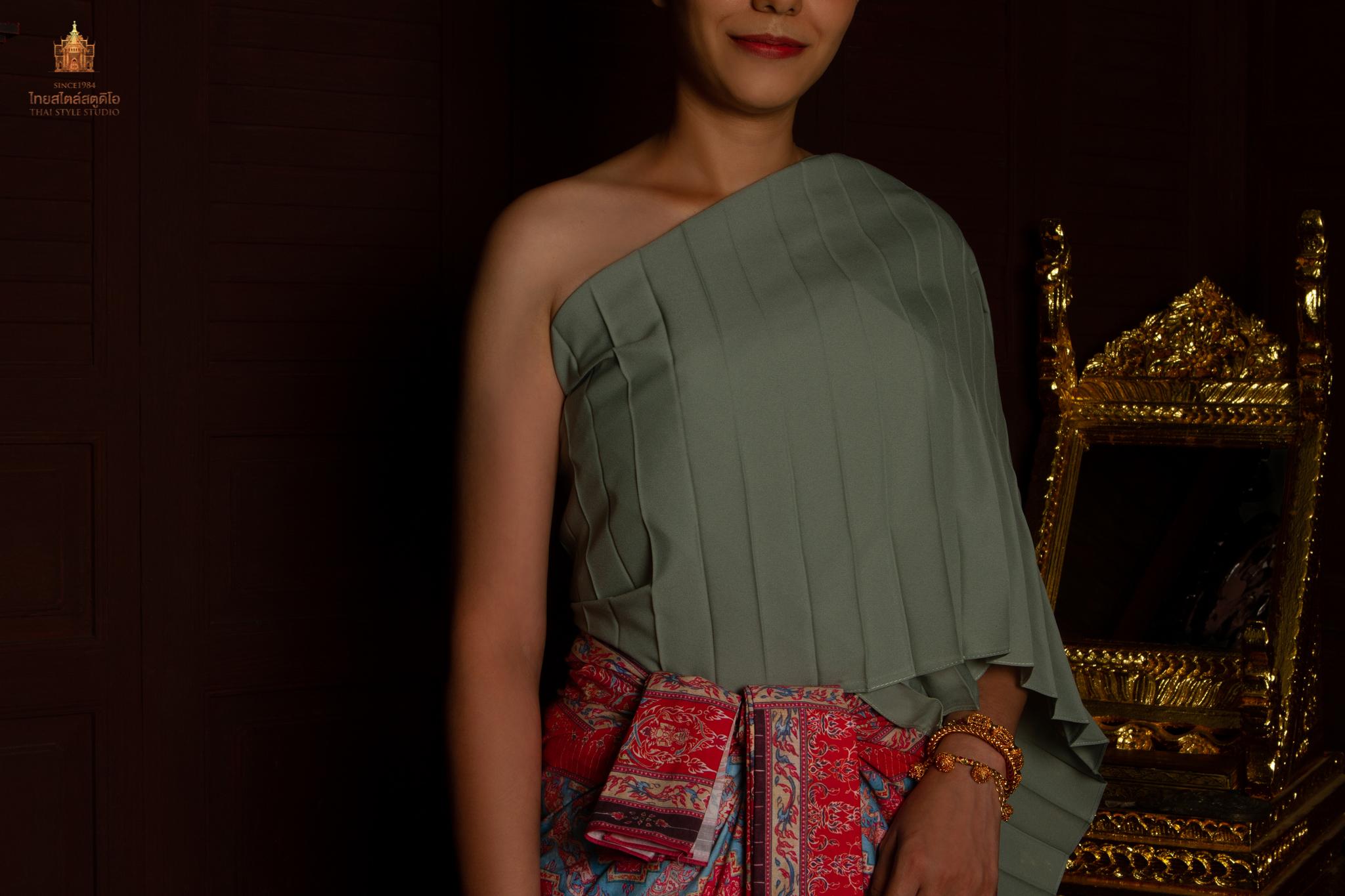 Thai Style Studio 1984 การห่มผ้าสะพัก 1