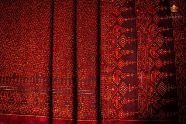 Thai Style Studio 1984 53 ลวดลายบนผืนผ้าสำหรับนุ่งห่มชุดไทย 81