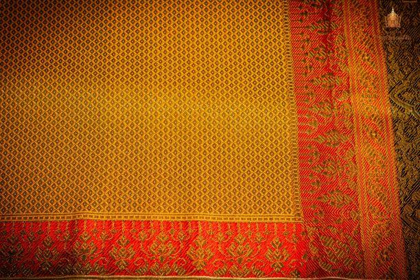 Thai Style Studio 1984 60 ลวดลายบนผืนผ้าสำหรับนุ่งห่มชุดไทย 113